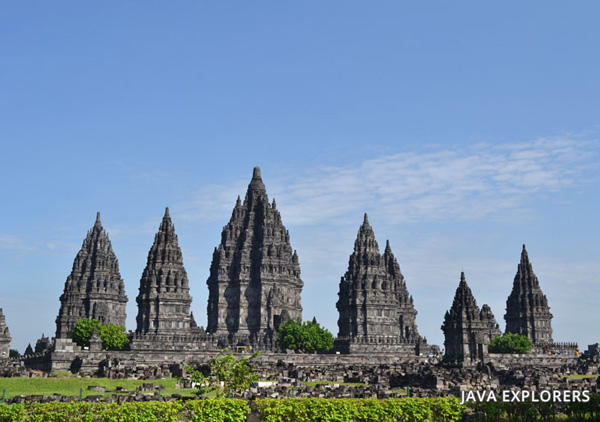 The bauty of Prambanan temple tour.