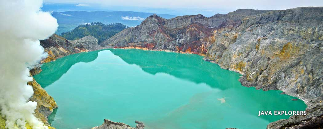 trip to ijen crater in banyuwangi tour